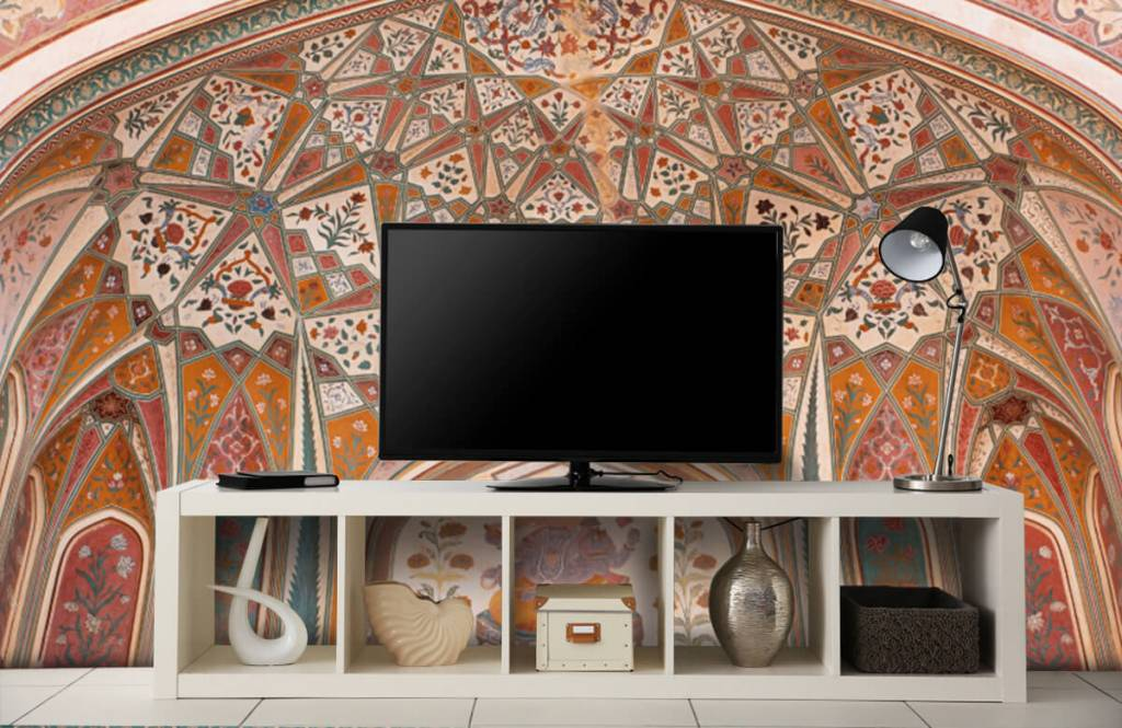 Monuments - Richly painted Indian arch - Bedroom 4