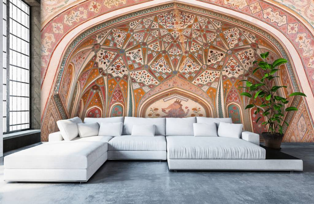 Monuments - Richly painted Indian arch - Bedroom 5
