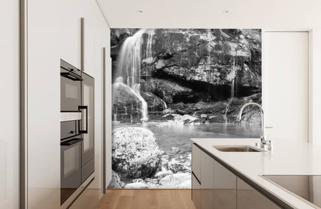 Black and white wallpaper - Waterfall over a stone wall - Bedroom 4